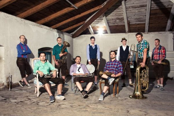 // Gewinnspiel // Für den Vatertags-Frühschoppen mit der Sibner Partie - Brass Entertainment am Sonntag, 13. Juni,...