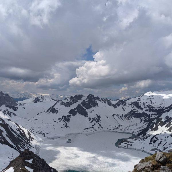 Noch kein Sommer in den Bergen 😅 mit manchen Wegen schaut's auch noch ...