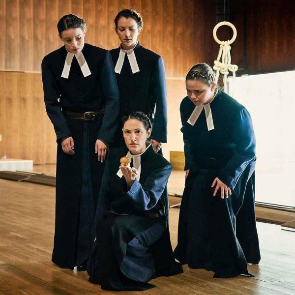 Heute findet die Uraufführung von IHR SEID BEREITS EINGESCHIFFT von Silvia Costa statt. ...
