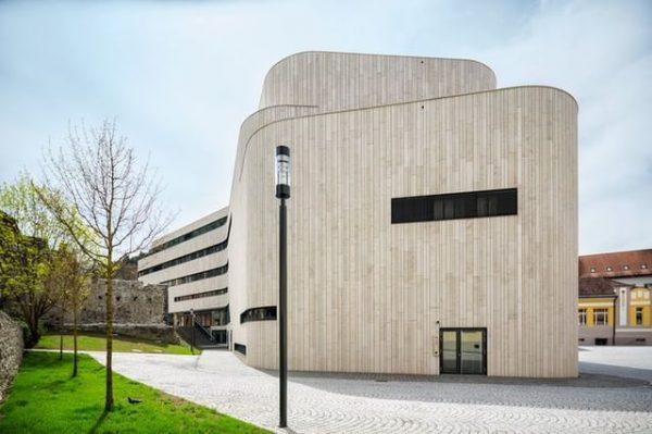 Wir sind wieder da! Seminare, Tagungen, Kongresse, Messen und Feiern im hochmodernen Event Center Montforthaus inmitten der...