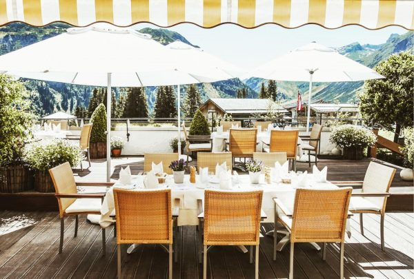 How would you like a quiet breakfast with a view? The countdown is ...