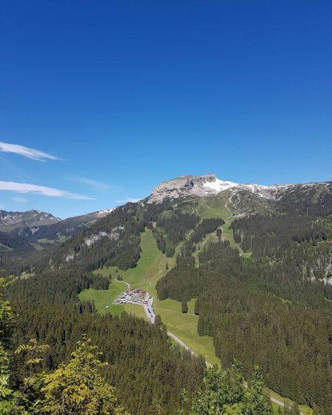 12.6.2020 Blick auf den Ifen und im Tal auf die Auenhütte. Und am ...