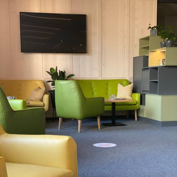 Seit 21. Mai begrüßt 🙋🏼♂️ dich das JUFA Hotel Laterns - Klangholzhus*** auf ...