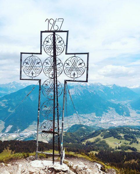 Wer kein Ziel hat kann auch keines erreichen -Laozi #bergtraum #gipfelkreuz #bestofgipfelstürmer #mondspitze ...