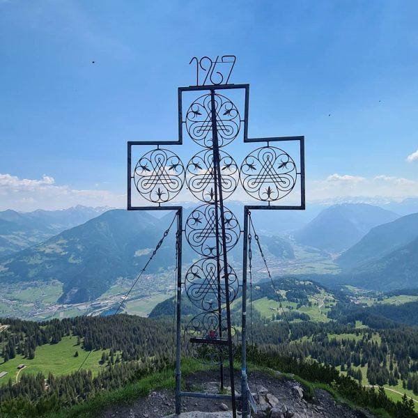 1/ 2 Gipfeltour #mondspitze #austria #österreich #bürserberg #vorarlberg #hike #wandern #gipfelkreuz #summer #mountain ...