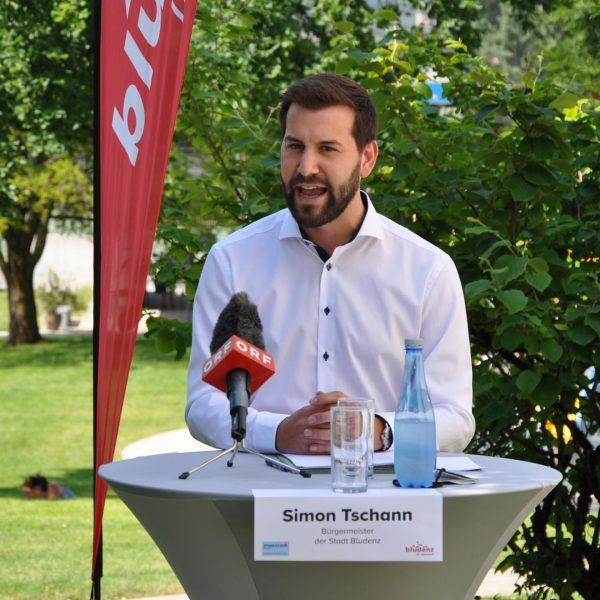 … Traumwetter bei der heutigen Pressekonferenz im @valblu_bludenz Trotz erheblicher coronabedingter Einnahmenverluste hat ...