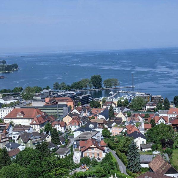 Bodensee 💙 Bregenz 💜 Pfänder ❤️ #bodensee #bodenseebilder #bodenseepage #bodenseeliebe #bodenseevorarlberg #bregenz #visitvorarlberg #visitbregenz #lakeofconstance #wunderschöneaussicht #wunderschön...