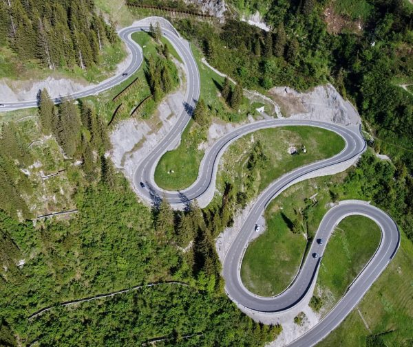 Fasten your seatbelt and put your📱away... 🚙🐍⛰️ #visitvorarlberg #visitaustria #arlberg #pass #drone #dji ...