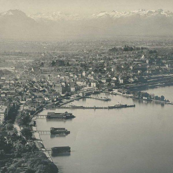 Den Passagieren des Zuges aus Lindau bot sich 1902 seeseitig ein beeindruckender Anblick, ...