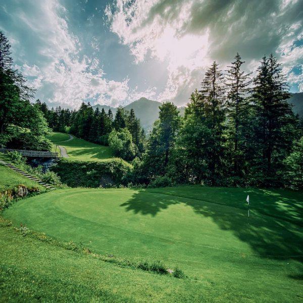 🇦🇹⛳️ Oostenrijk is weer open voor toerisme. Wat beter dan je vakantie besteden ...