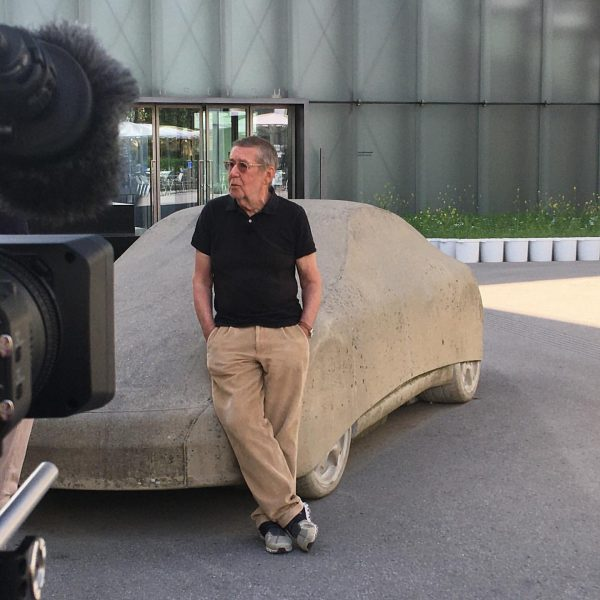 """Artist Gottfried Bechtold talking to Martin Traxl from """"Kulturmontag"""" in front of Kunsthaus ..."""
