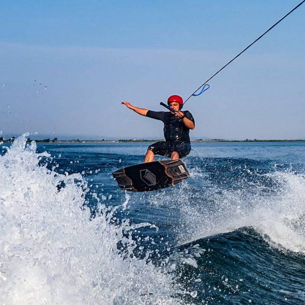 #earlybird #wakeboarding #wakesurfing #
