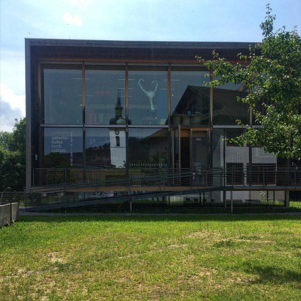 #frauenmuseumhittisau #womanmuseum #museum #architekturfotografie #architecturephotography #architekturvorarlberg #cukrowicznachbaurarchitekten #hittisau #bregenzerwald #vorarlberg #austria Frauenmuseum Hittisau