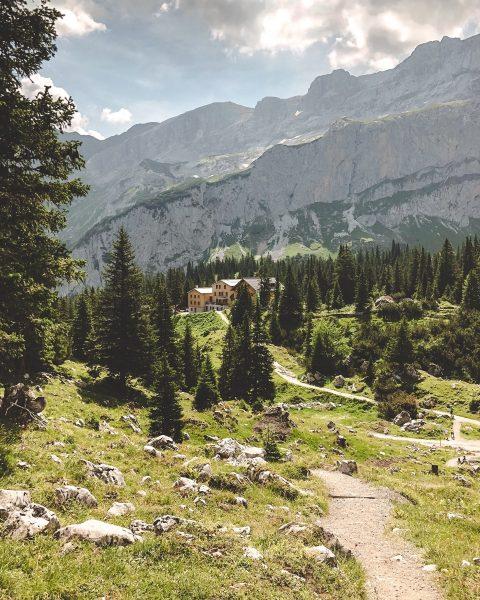 Ausflugstipp: Lindauer Hütte 🌿 Von der familienfreundlichen Halbtageswanderung bis zur anspruchsvollen hochalpinen Bergwanderung ...