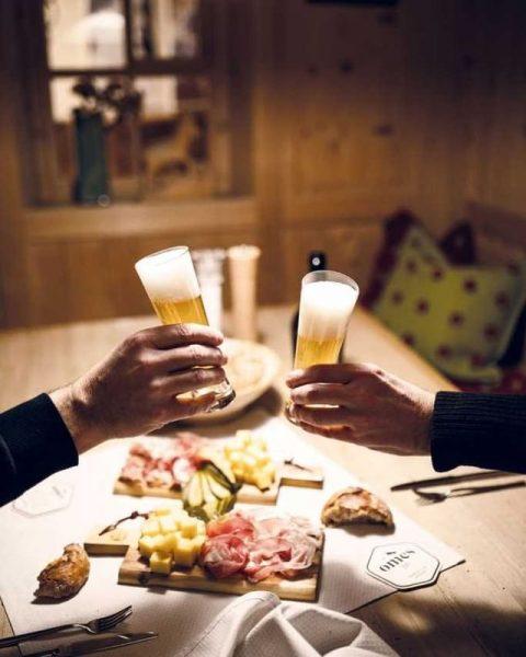 Unser Omes Bier wurde am Wochenende frisch abgefüllt und kann in die Lecher ...