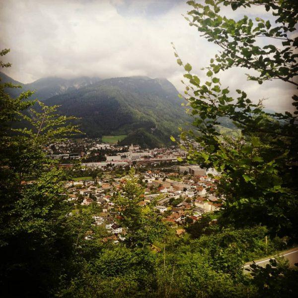 #schöneaussicht #bludenz #brandnertal_tourismus #brandnertal #alpenregionbludenz #wanderlust #wald #bürs #meinvorarlberg #urlaubimländle #wohnenwoandereurlaubmachen #vorarlberg #österreich ...