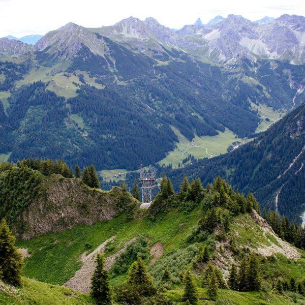 Gipfelpanorama vom Walmendingerhorn auf den ersten Schafalpenkopf ______________________________________ #Berggipfel #Walmendingerhorn #Kleinwalsertal #Allgäu #Schönstesackgassederwelt ...