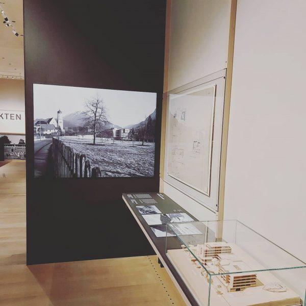 Das @vorarlberg_museum zeigt aktuell eine Sonderausstellung zur Architektengruppe C4 und Karl Sillaber. Der ...