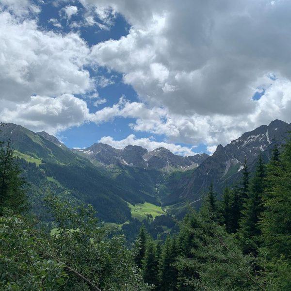 Wanderung Panoramaweg über die Stutzalpe in den Talschluss des Kleinwalsertals nach Baad… Danke ...