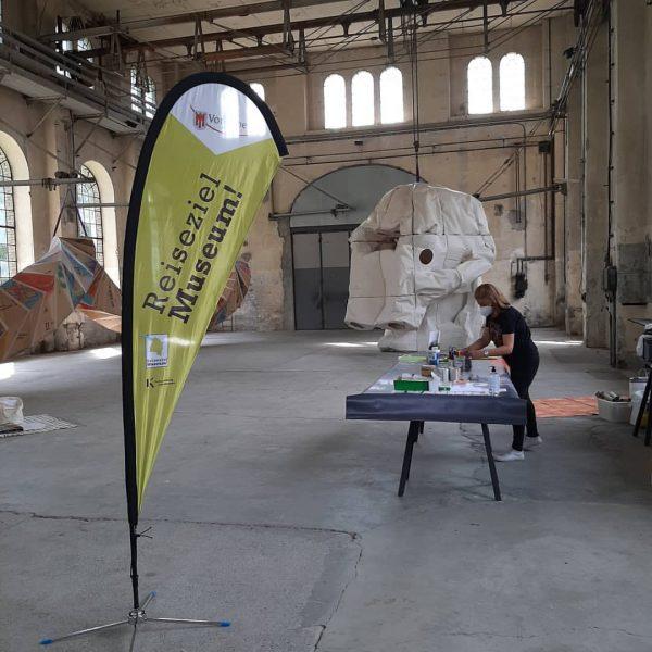 Reiseziel Museum!!! Im #kunstraumdornbirn ist alles für die jungen Reiseleiter*innen bereit! Um 11:00 ...