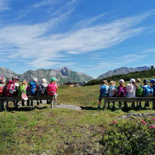 Der Kindergarten Klösterle am Arlberg war heute zu Besuch im sagenhaften Bärenland 🐻 ...