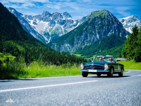 What a beauty. The Mercedes 280 SL from 1969 is just an amazing ...
