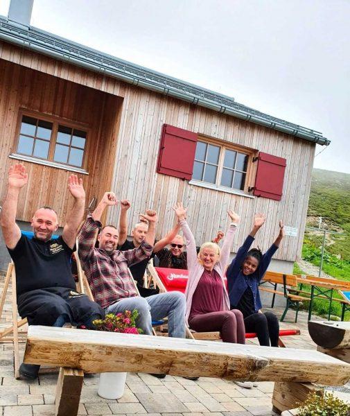 Wir freuen uns nicht nur über traumhaftes Wander-Wetter auf der #kaltenberghütte auf 2.100 ...