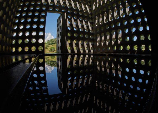 Wasserhaus 2003 errichtet. #visitaustria #kirchevorarlberg @visitaustria #archilovers #architecture #art #engineering #blickfang #architecturedesign #concrete ...