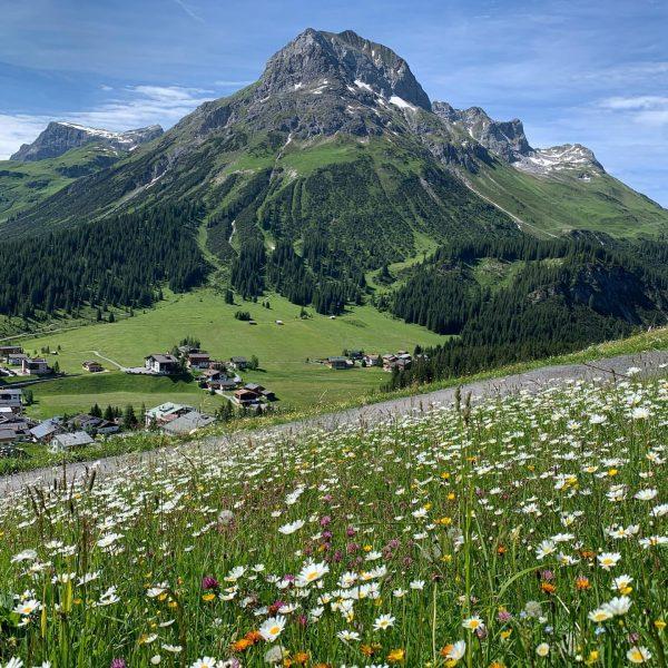 Bald beginnen die Sommerferien @lechzuers #schneiderlech #urlaub2021 #urlaubinösterreich #urlaubindenbergen #hiking #biking #ebike #wanderlust ...
