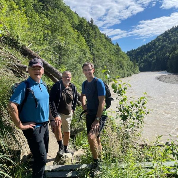 Tolle Achtalwanderung gestern durch das Bregenzerachtal von Kennelbach nach Bozenau. Wünsche euch einen ...