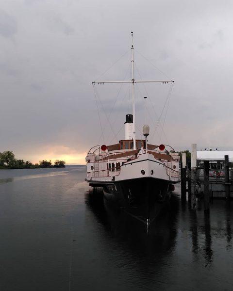 Im @historischeschifffahrtbodensee Heimathafen Hard liegt das wunderschöne Jugendstil-Dampfschiff Hohentwiel. Absolute Empfehlung für eine ...