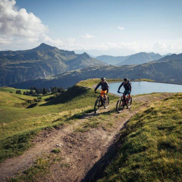 NEU - Für unsere Gäste stehen seit Kurzem zwei Top E-Bikes der Marke ...