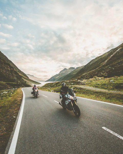 Verrate uns Deinen Motorradbuddy, der mit Dir die nächste Ausfahrt auf die Silvretta-Hochalpenstraße ...