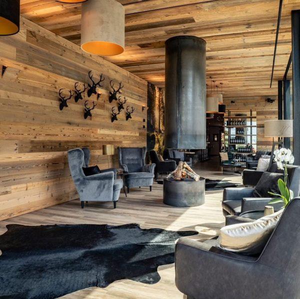 Das Naturnah - Bar & Lounge #naturnah #dasnaturnah #garfrenga #alpencampingnenzing #alpencamping #gemeinsamgenießen #wellnessurlaub #kulinarikurlaub #gaultmillau #lounge #barundlounge...