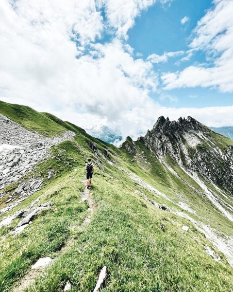 Mountain vibes all day, everyday 🍃 #bergsommer #rotewandgourmethotel Saladina Spitze