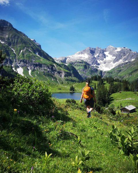 ✨ 16 54 ✨ Körbersee 💙 nur zu Fuss erreichbar, die Braunarlspitze 2649m ...