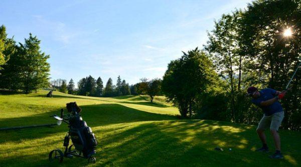 Golfen am Riefensberg #golf #golfen #taylormade #nice #day #sunset #pga #sport #natur #frischeluft ...