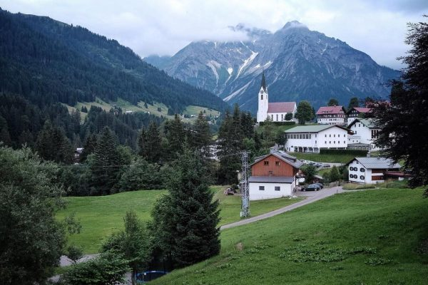 • • • • • #allgau #mountains #nature #berge #hiking #alpen #wandern #oberstdorf #alps #allgaueralpen #travel #naturephotography...
