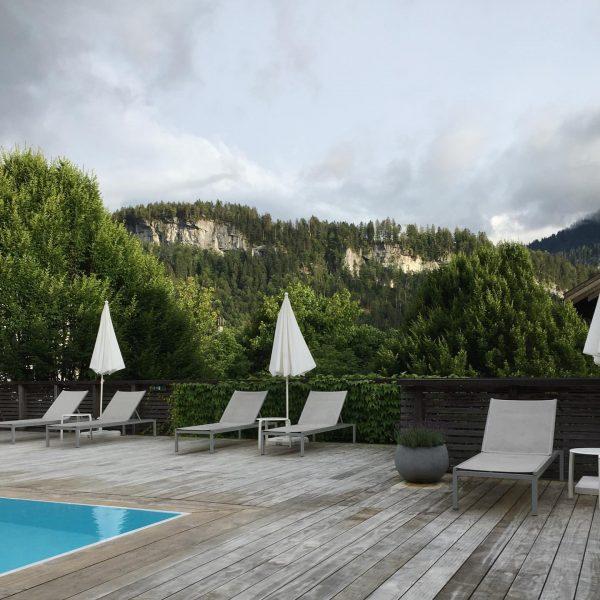 Mountain embrace #outofoffice #travel #vorarlberg #vacay #mountains #bezau #hotelpostbezau Hotel Post Bezau