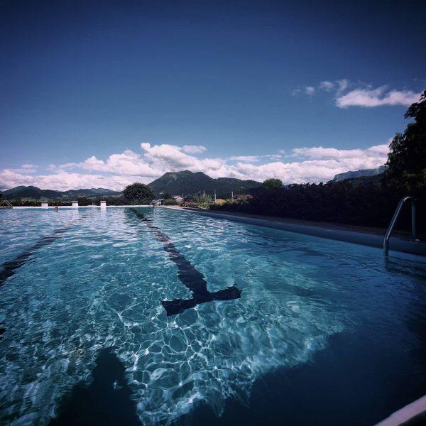#perfect #pool #sun #sunday #swim #1k #bregenzerwald #austria #travelaustria @northbahnhof Schwarzenberg im Bregenzerwald