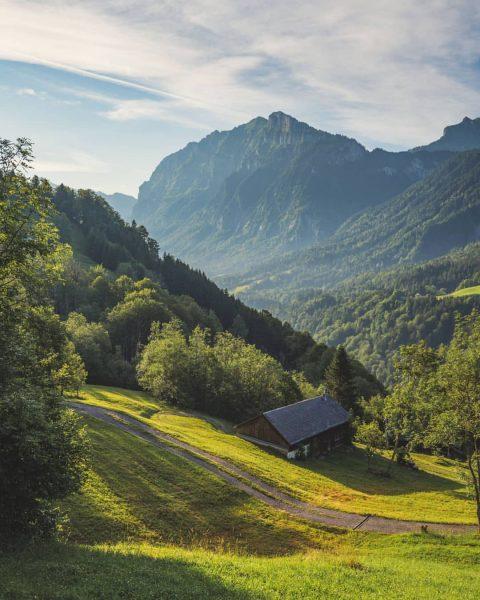 House with a Kanisfluh view 🏡⛰️ . . . #kanisfluh #mellau #bregenzerwald #vorarlberg #austria #evening #landscape #landscapephotography...