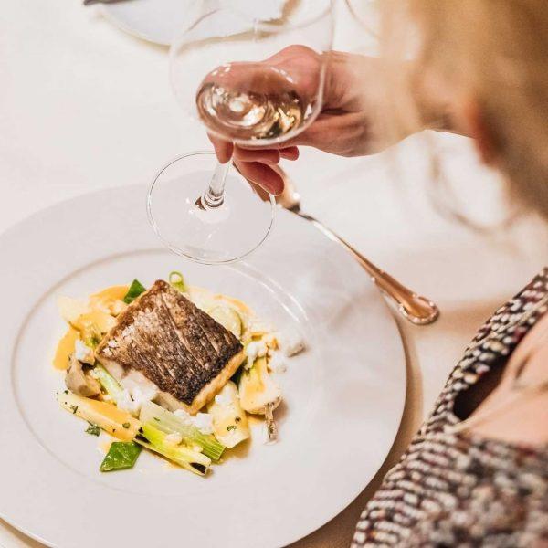 Feinste KULINARIK Schmecke den #LIFESTYLE des Grand Resorts Zürserhof. Raffinierte Köstlichkeiten mit erstklassiger Aufmerksamkeit serviert. In Begleitung...