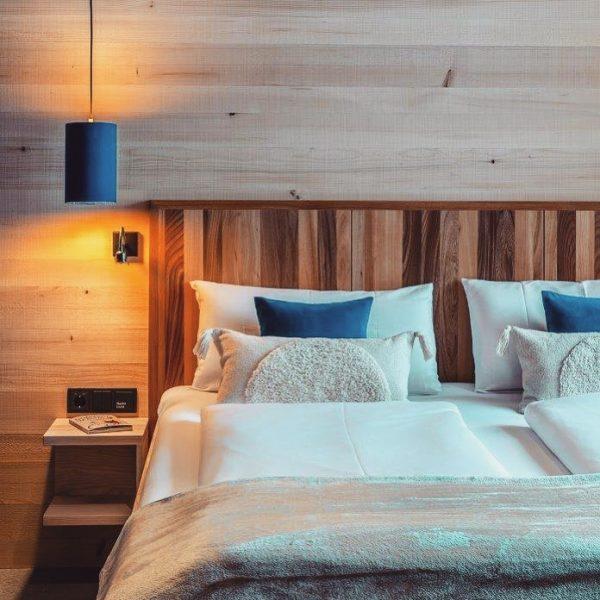 """""""Der Schlaf ist doch die köstliche Erfindung!"""" (Heinrich Heine) Hier in Schetteregg auf 1060 Meter überkommt einem..."""