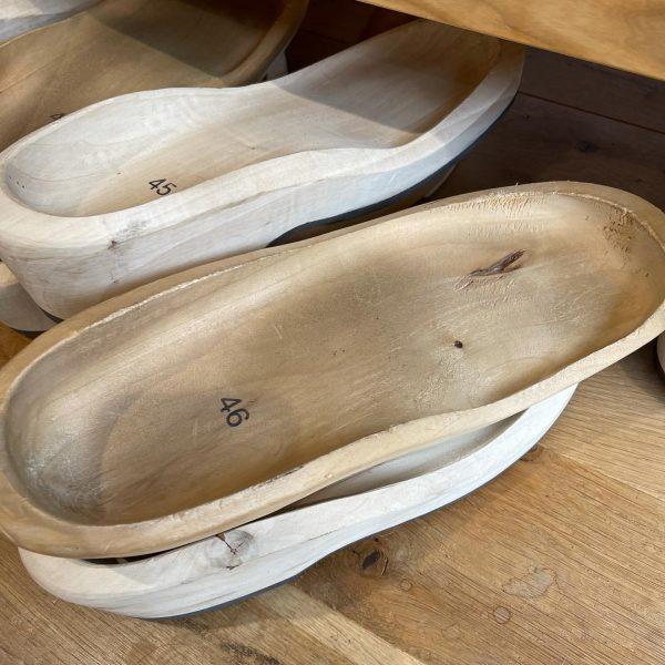 Das werden Holzschuhe. - #woodys #holzschuhe #bregenzerwald #holzschuhmanufaktur #devich #holzschuherzeugung #hittisau #österreich #manufaktur ...