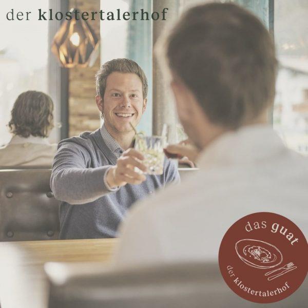 deine genusszeit. #dasguat #restaurant #derklosterhof #hotel #genusszeit #restaurant #wein #drinks #genießen #anstoßen #essen #regional #kreativ #kranfttanken #wochenende...