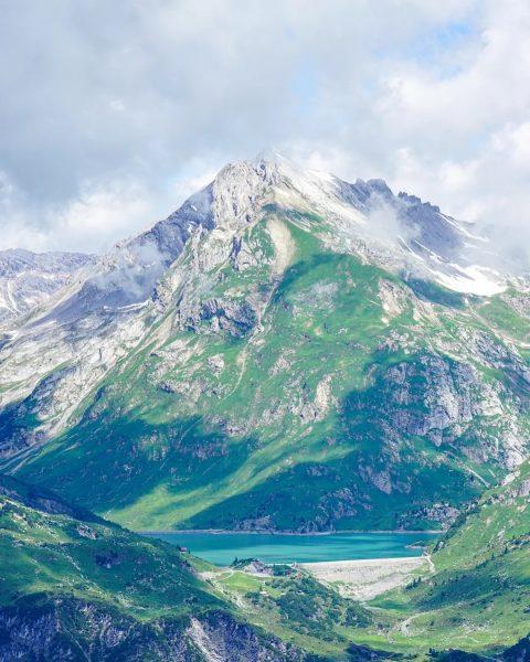 Mountain days🙌 . . . #klostertal #austria #alps #vorarlberg #mountains #photography #discover #nature #arlberg #amzingview #summit #view...