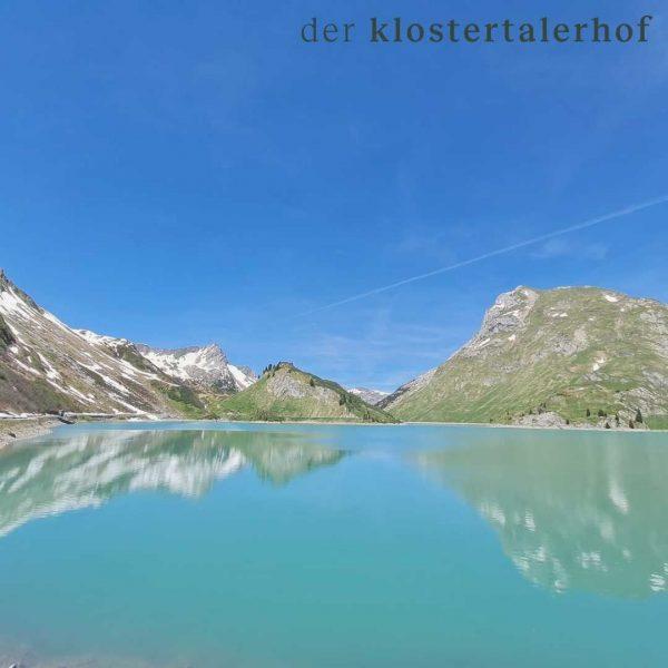 dein wanderparadies. #derklosterhof #hotel #wanderpardies #spullersee #bergwelten #bergsommer #wandern #krafttanken #genießen #klostertal #arlberg #vorarlberg #österreich @kloesterle_am_arlberg @unser_arlberg...
