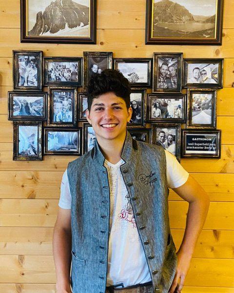 Heute stellen wir euch ein weiteres Teammitglied vor. Luca ist der Sohn unserer ...