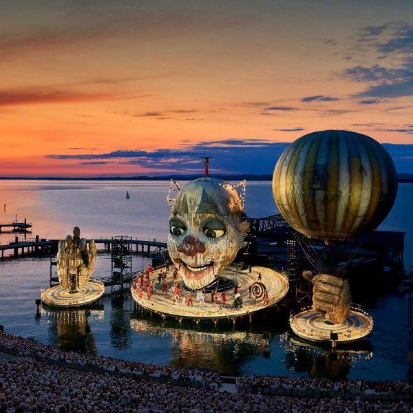 Stilvoll zu den Festspielen nach Bregenz🎭👯♀️ Mit unserem Event-Schiff Graf Zeppelin bringen wir Sie über den See...