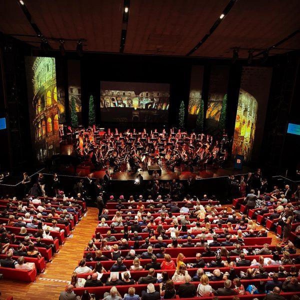 Eröffnung der 75. Bregenzer Festspiele. 💫 Schön, wieder hier zu sein. 🎻Super, dass eine Frau die Eröffnung...